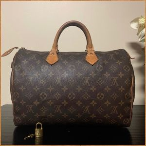 Authentic Louis Vuitton Speedy 35 (with lock/key)
